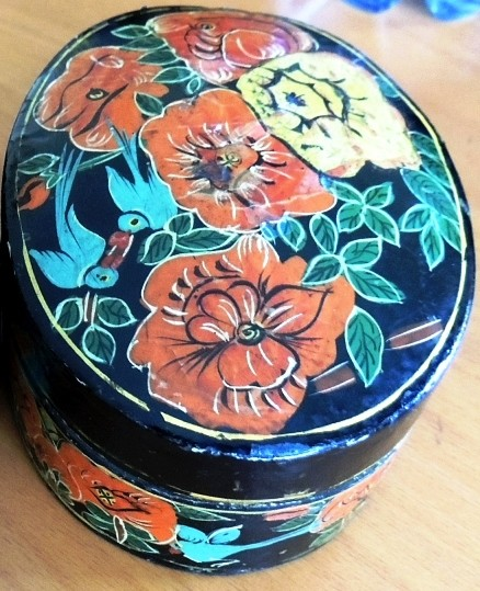 Kashmiri Black Red tea box
